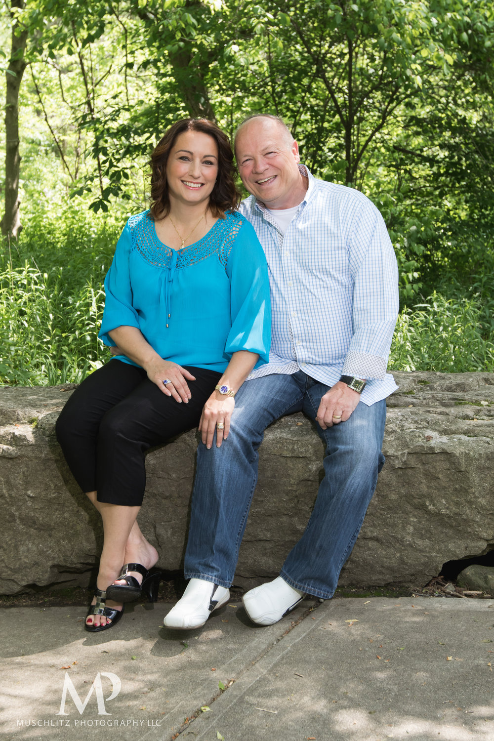anniversary-couple-portrait-session-creekside-park-plaza-gahanna-ohio-boxer-dog-muschlitz-photography-001.JPG