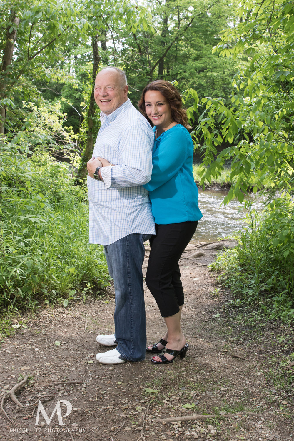 anniversary-couple-portrait-session-creekside-park-plaza-gahanna-ohio-boxer-dog-muschlitz-photography-008.JPG