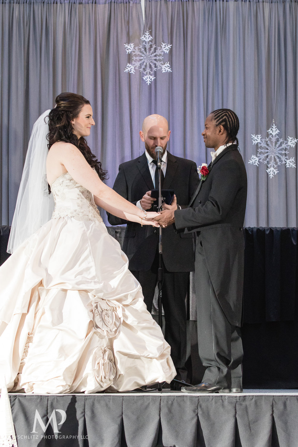greater-columbus-convention-center-winter-wedding-ceremony-reception-portraits-columbus-ohio-muschlitz-photography-029.JPG