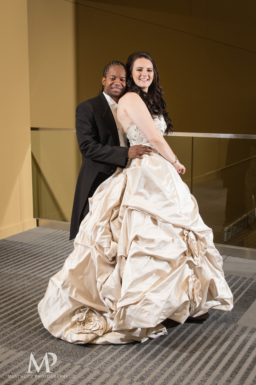 greater-columbus-convention-center-winter-wedding-ceremony-reception-portraits-columbus-ohio-muschlitz-photography-057.JPG