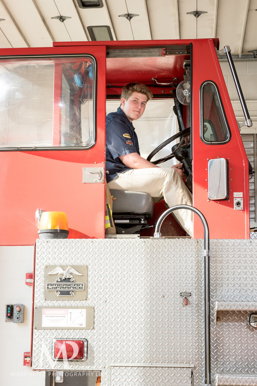 senior-portrait-fire-station-fireman-gahanna-columbus-photographer-studio-018.JPG