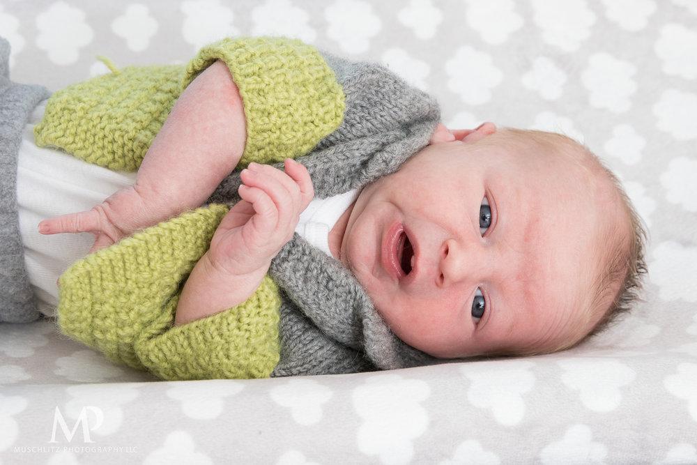 Columbus-Ohio-Newborn-Portrait-Session-Home-078.JPG