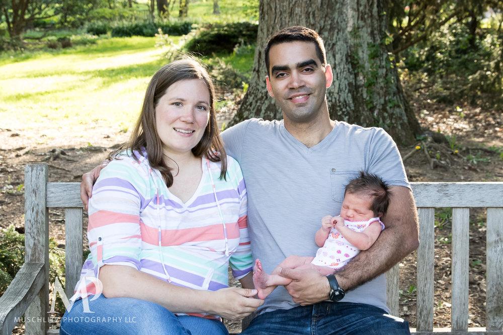 newborn-baby-family-portrait-session-spring-inniswood-metro-gardens-columbus-ohio-012.JPG