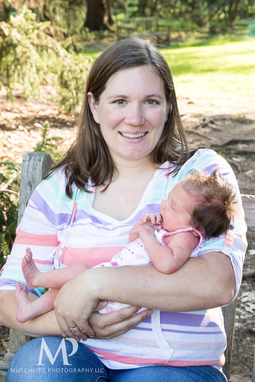 newborn-baby-family-portrait-session-spring-inniswood-metro-gardens-columbus-ohio-016.JPG