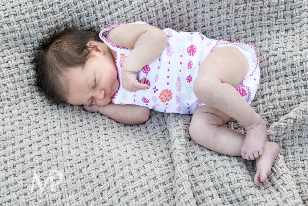 newborn-baby-family-portrait-session-spring-inniswood-metro-gardens-columbus-ohio-024.JPG