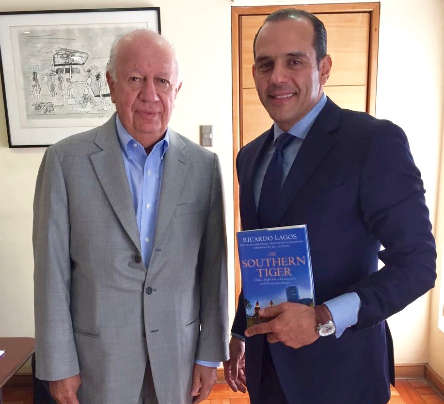 Former president of Chile, Mr. Ricardo Lagos, with the president of the Foundation, Juan Verde