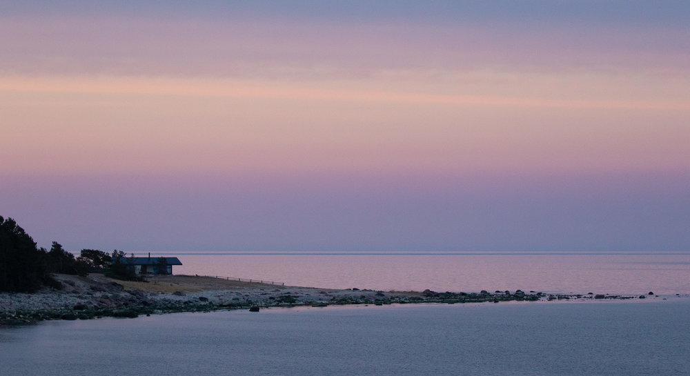 A lonely house on the peninsula. Must be amazing to life there…