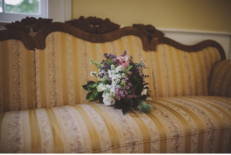 vintage chiar vintage flowers