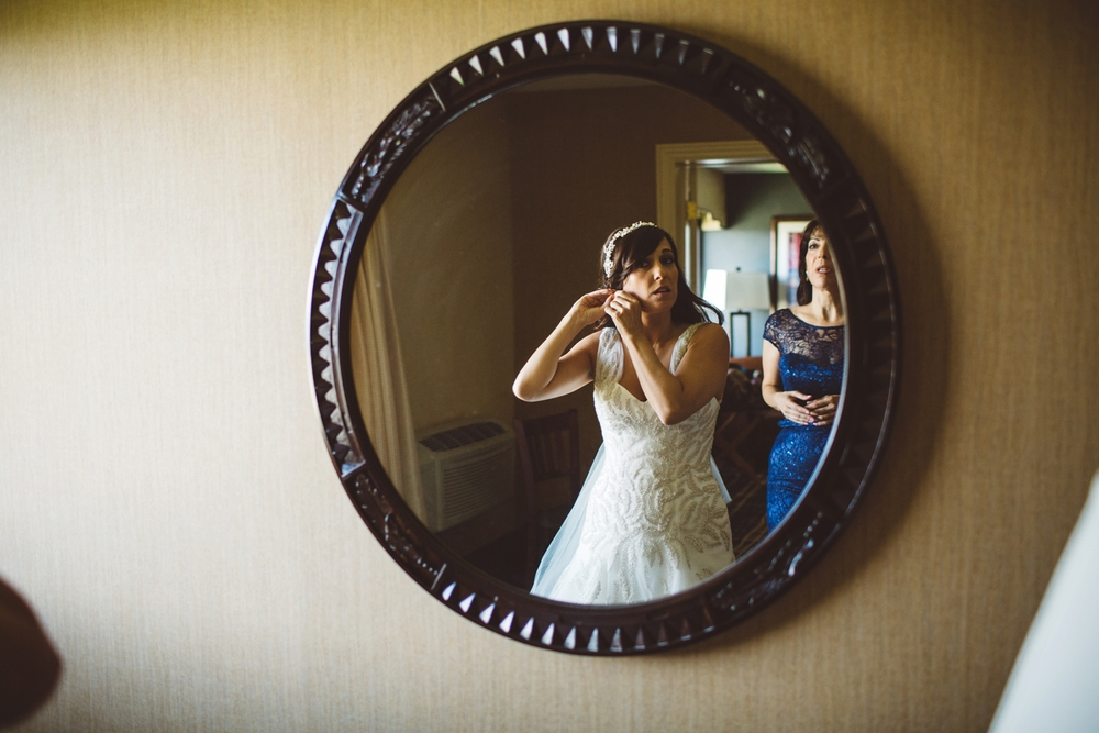 northern michigan bride getting ready