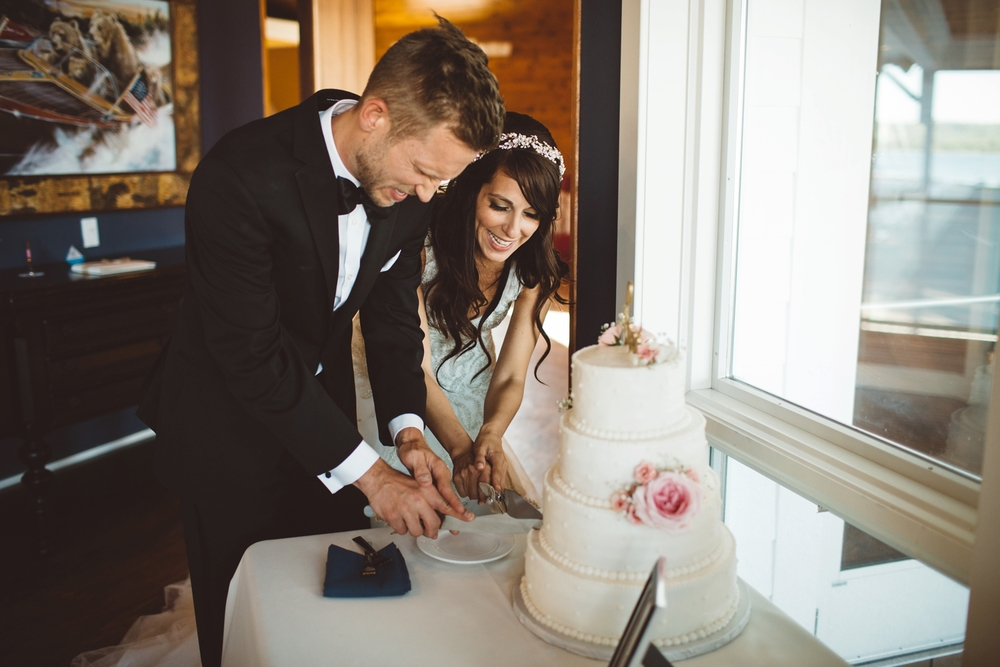 sommerset pointe cake cutting