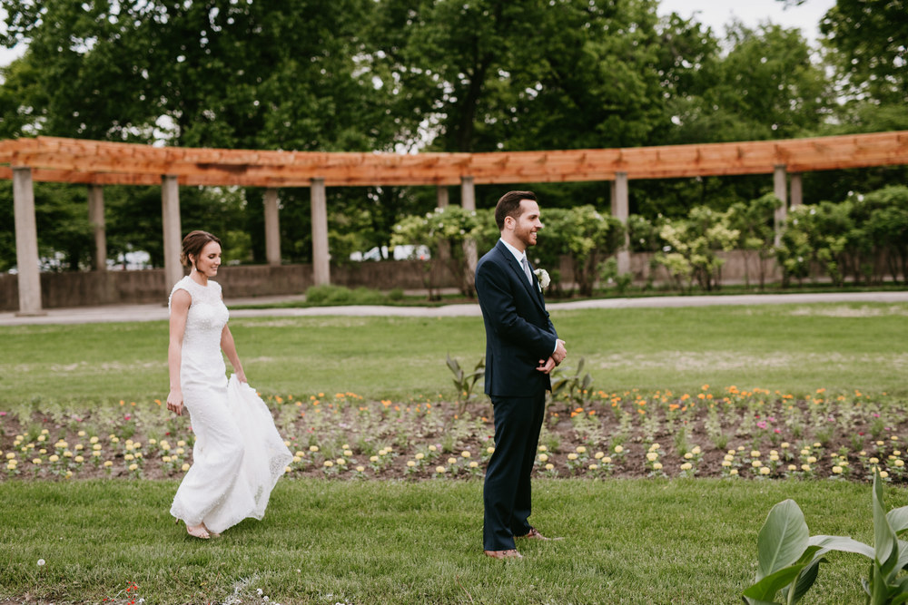 chicago wedding first look
