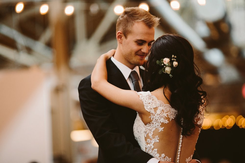 Holland Baker Loft warehouse Wedding first dance