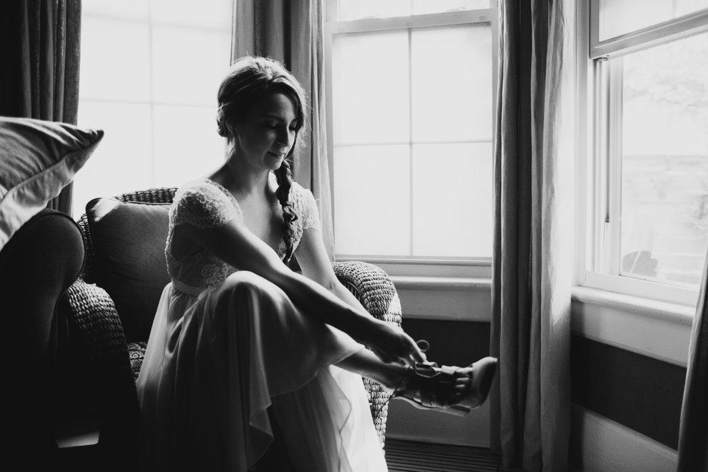 intimate backyard michigan wedding photographer