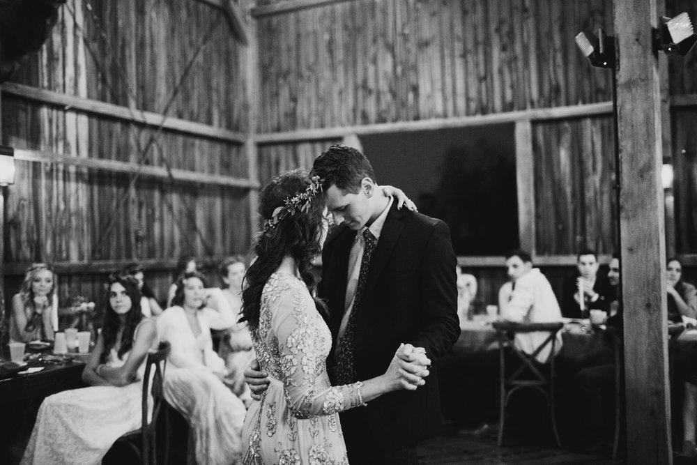 wisconsin barn wedding venue