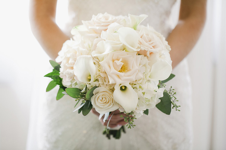 Minneapolis-Rivets-and-Roses-Photography-Favorite-Bouquets-4
