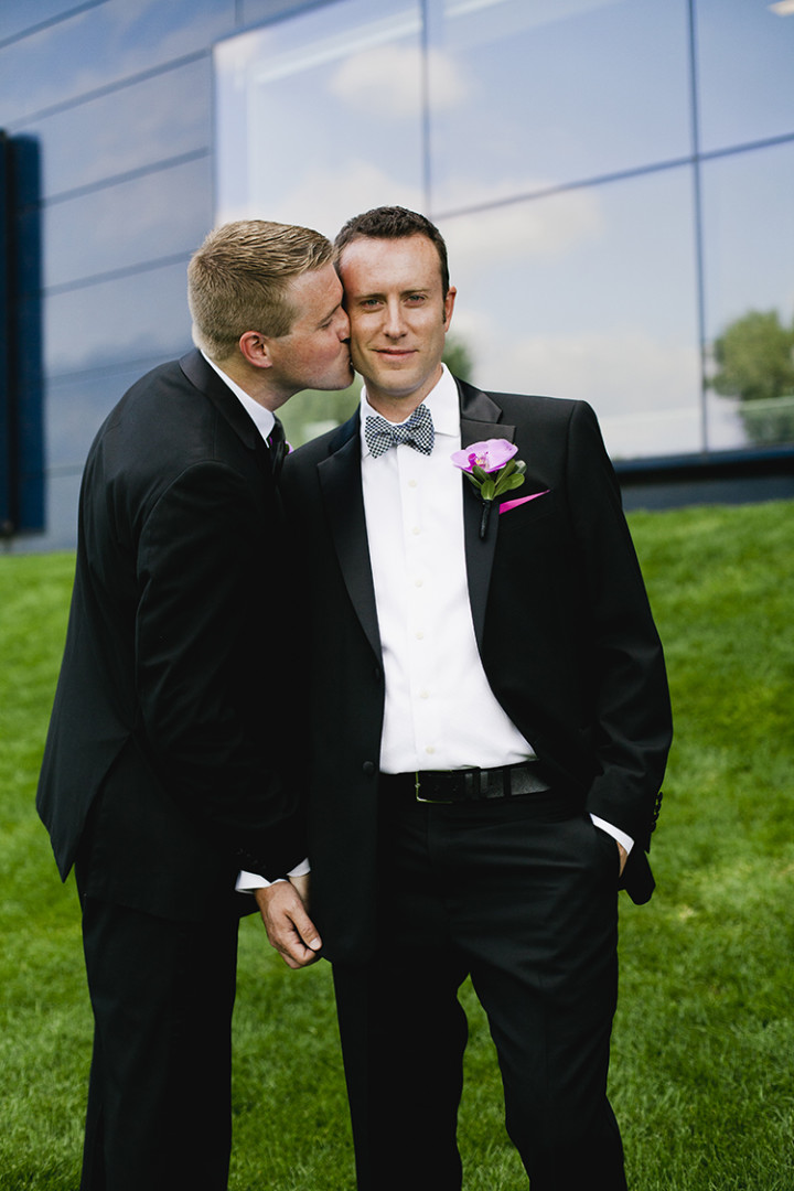 Same-Sex-Weddings-Minnesota-Rivets-and-Roses-Thea-Volk-6