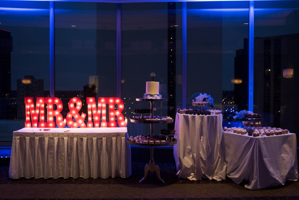 Millennium Hotel Wedding, Minneapolis, MN | Photography by Melissa Hesse | Rivets & Roses