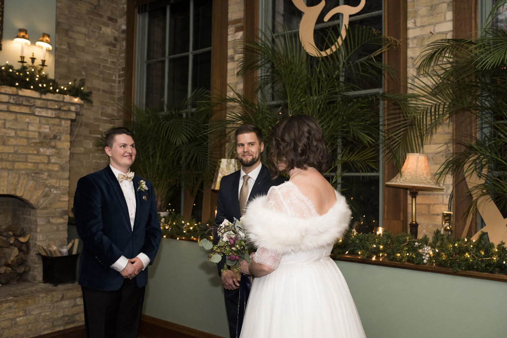 W.A. Frost & Co. Wedding in St. Paul, MN | Photography by Melissa Hesse | Rivets & Roses