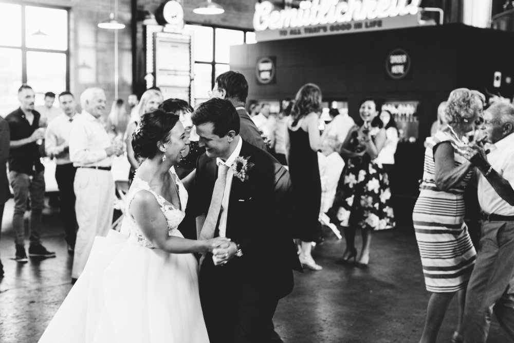 Bauhaus Brew Labs Wedding Reception Minneapolis, MN | Photography by Jess Ekstrand | Rivets & Roses