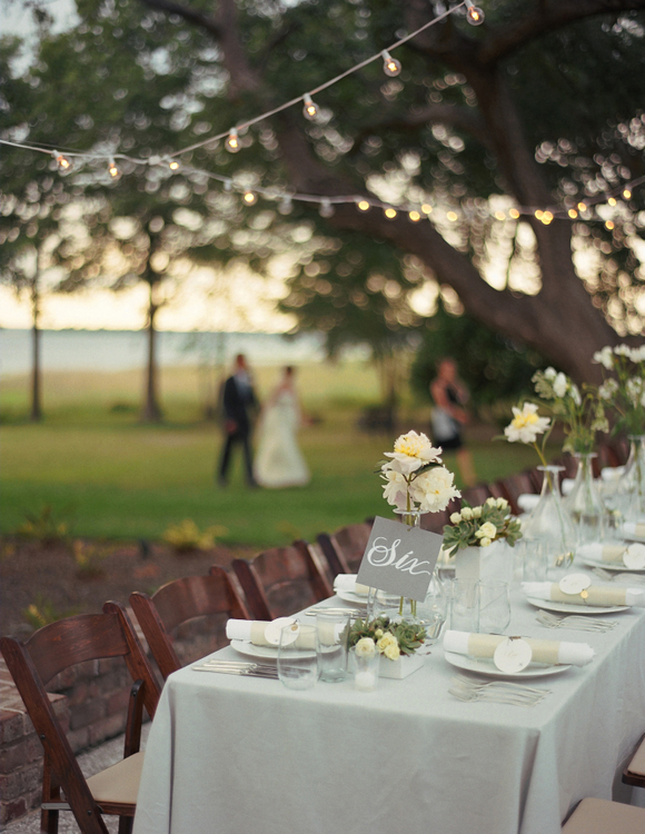 outdoor wedding reception tablescape