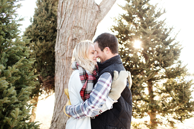 Krueger_Tree_Farm_Engagement_ShampBlog_0010