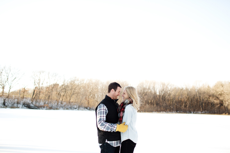 Krueger_Tree_Farm_Engagement_ShampBlog_0015