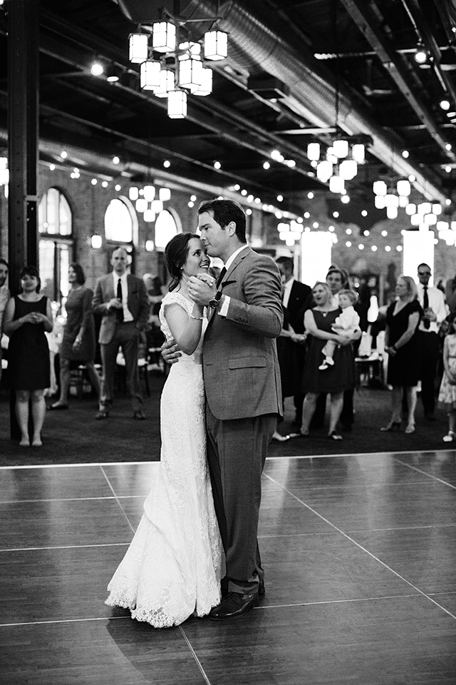 PhotogenInc_Rolls_Nicollet_Island_Pavillion_Wedding_0051.JPG