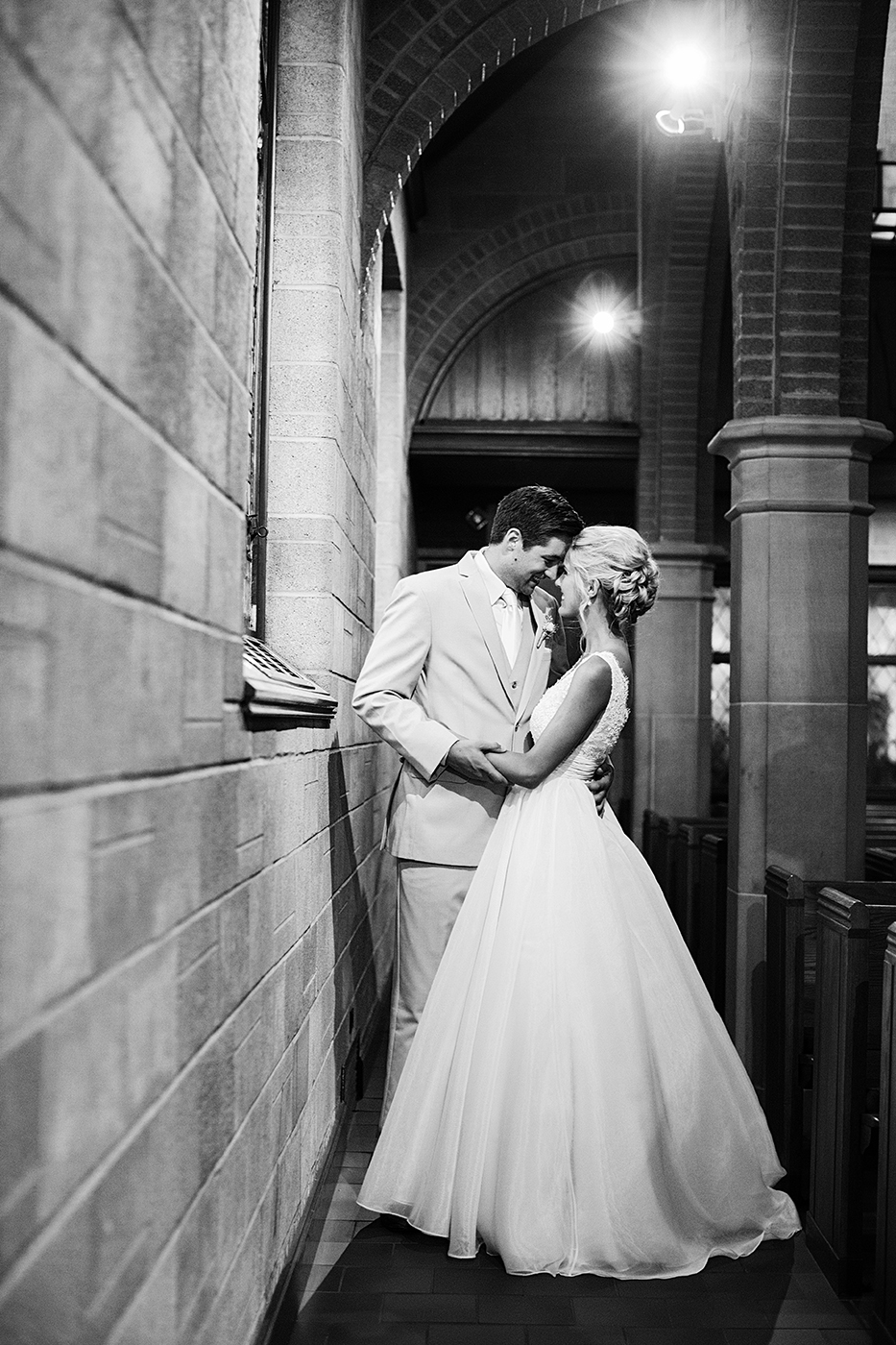 Diamond Lake Lutheran Church Wedding | Minneapolis Wedding Photographer | Photos by Photogen Inc. | Eliesa Johnson