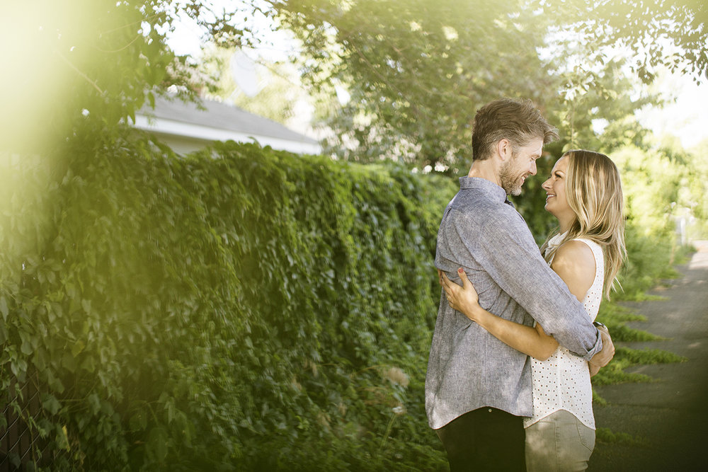 St. Paul Engagement Photos | Photography by Photogen Inc. | Eliesa Johnson | Based in Minneapolis, Minnesota
