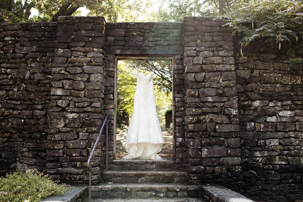 Knoxville, Tennessee Wedding Photos | Destination Wedding Photography by Photogen Inc. | Eliesa Johnson | Based in Minneapolis, Minnesota