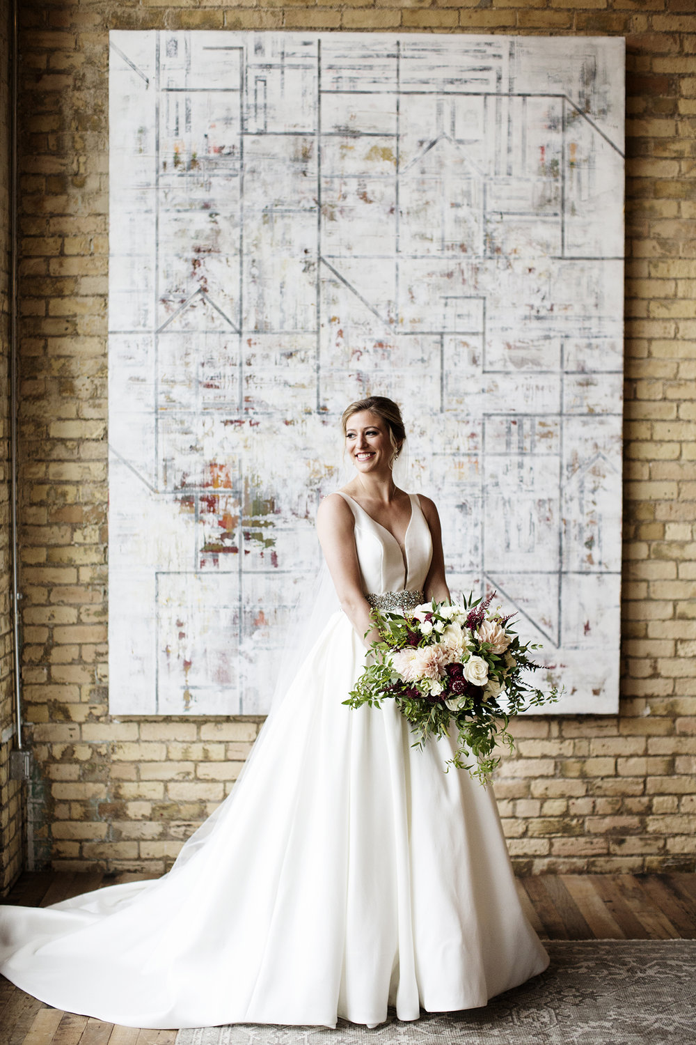 Machine Shop Wedding Photos | Photography by Photogen Inc. | Eliesa Johnson | Based in Minneapolis, Minnesota