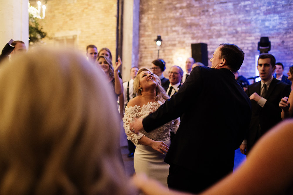 The Loring Social Wedding Photography MN | Photos by Photogen Inc. | Eliesa Johnson | Based in Minneapolis, Minnesota