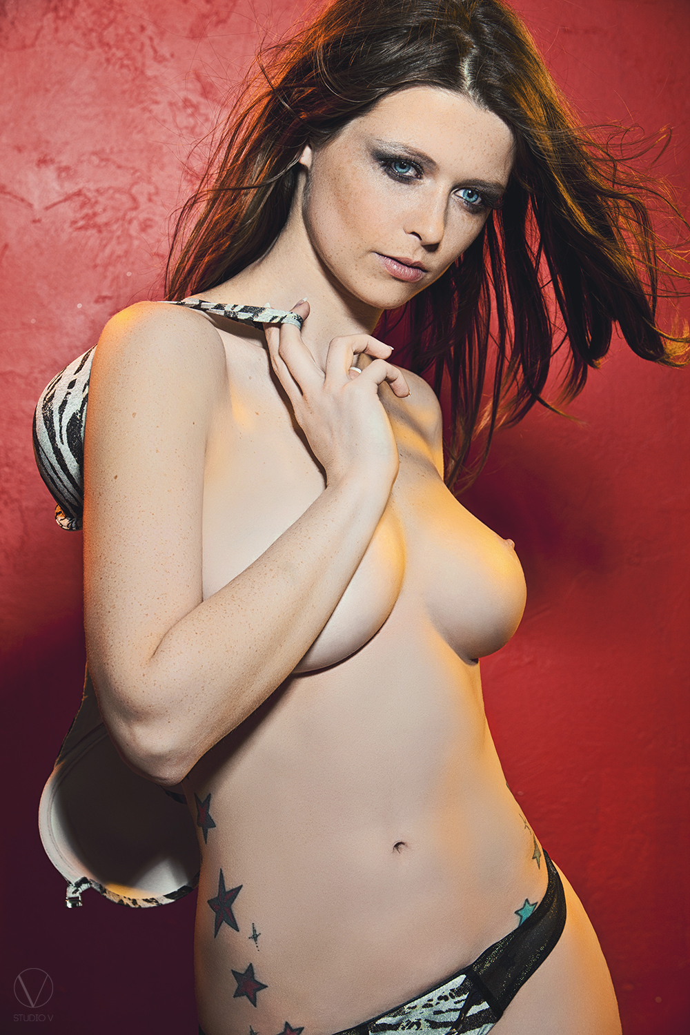 studio_v_photography_3462_topless_breasts.jpg