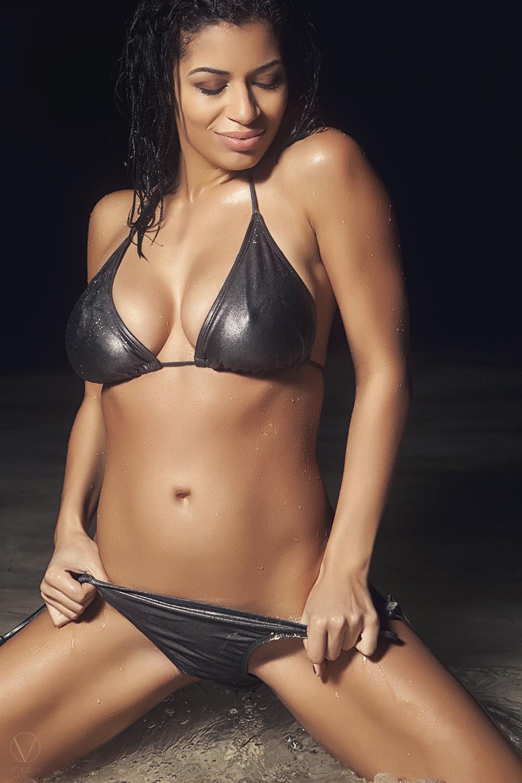 Studio V Photography Bikini babe model boobs