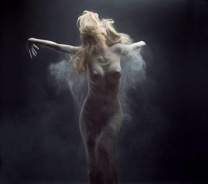 52790a600913688046bbaf6dd38699b0--nude-photography-photography-ideas.jpg
