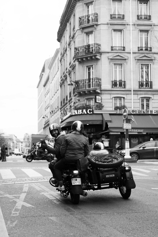 Charlotte Margot Photography - Vintage Motorcycle tour in Paris