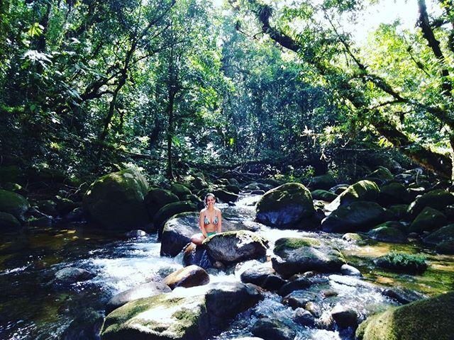E em meio às águas sagradas da comunidade tupi guarani, finalizo mais um trabalho como artesã de experiências e facilitadora da transformação nas organizações. Com gratidão e reconhecimento da grandiosidade do universo e do poder das nossas intenções, um passo de cada vez vou construindo a realidade que quero viver. #transformandoasorganizações #artesadeexperiencias #tupiguarani #mamaeoxum #rainhadasaguas #tupinamba