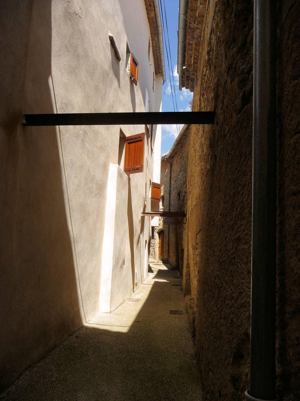 shadows Viens .1.2.jpg