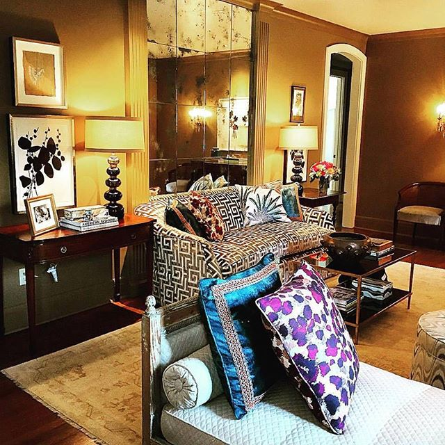 Da Bomb!!! Fab install for fab & fave clients...happiest days for me are seeing the finishing touches! I want to have a martini NOW right here! #truelove #ddd #bestclientsinbiz‎ #takesavillage DDD Team makes it happen! BRAVO TEAM! @amygriesbeckmoore @annawunderlich @julieaaronwunderlich @podapooth @mkredd22