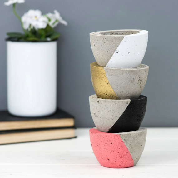 6. BELLS AND WHISTLES MAKES: Diagonal Colour Mini Concrete Planter, £8.    Made by mama of 3 Hannah, she has an ace range of concrete products. I love her plain, colour block and hanging mini concrete planters!