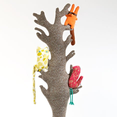 dezeen_The-big-knitted-trees-give-the-creatures-a-place-to-live-Donna-Wilson_1.jpg