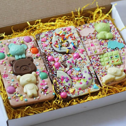 THE HAPPY MAIL - Gorgeous sweet treats and Easter egg alternatives