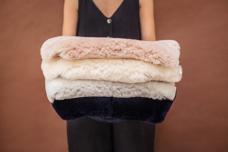 Sheepskin Snuggler: Binibamba