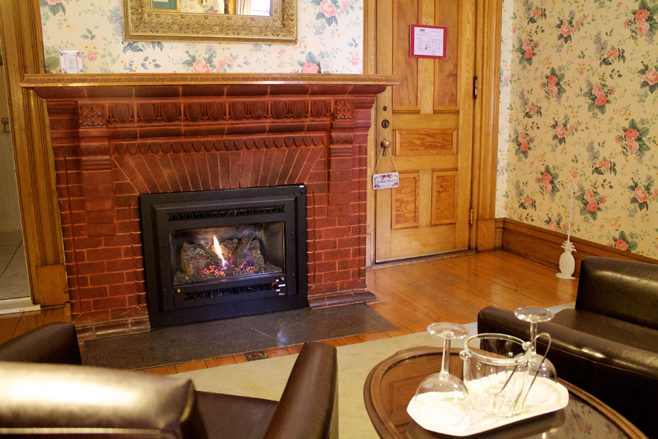 Fireplace in the Conservatory at WSInn