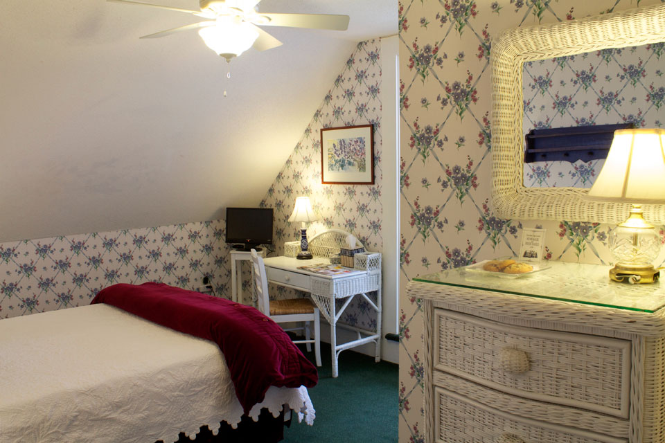 Tower Room at the Willard Street Inn