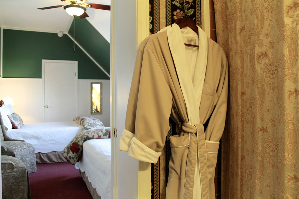 WSInn_adirondacks_bathrobes.jpg