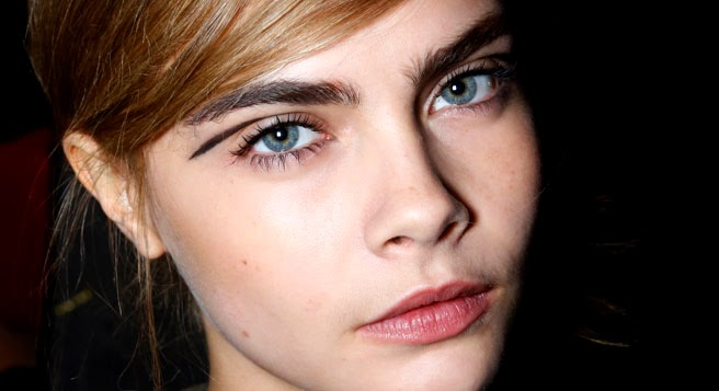 fall-beauty-trends-cat-eye