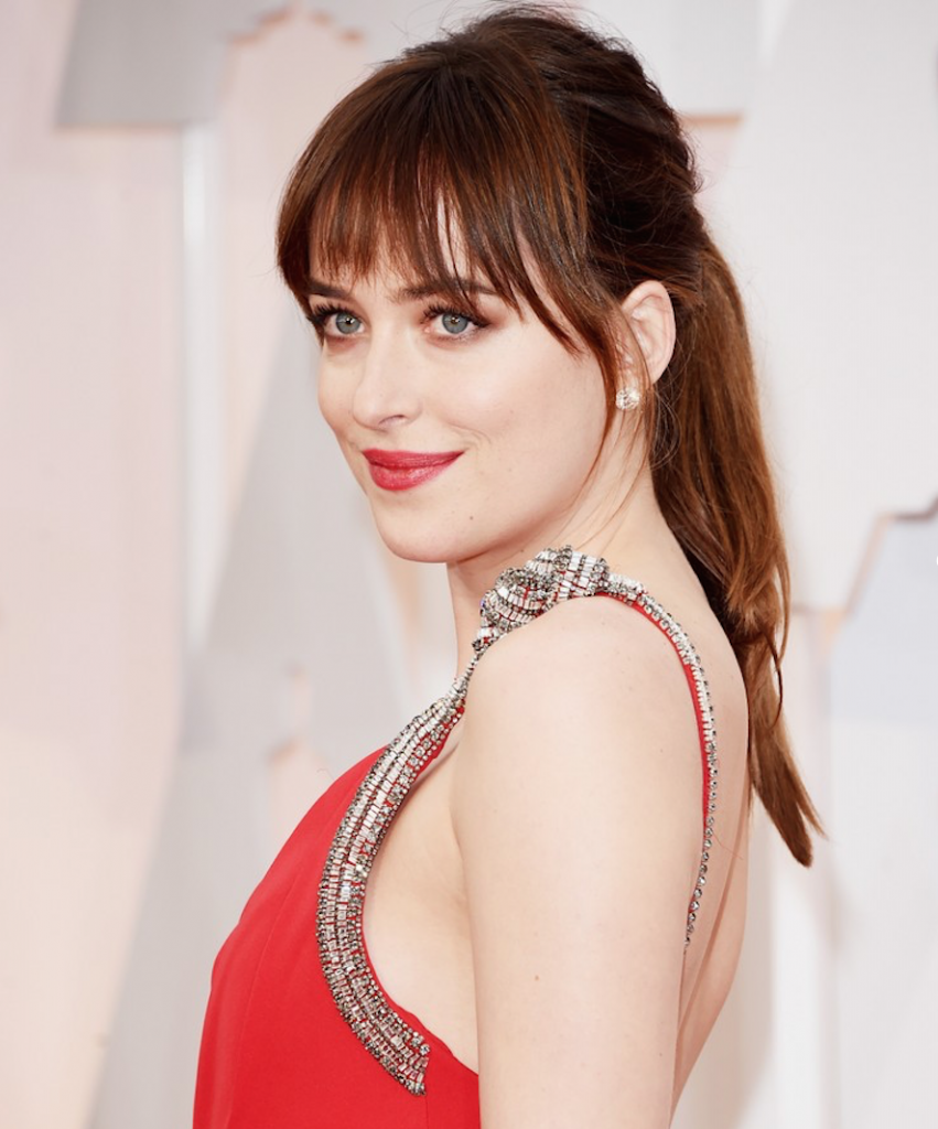 dakota-johnson-oscars-beauty