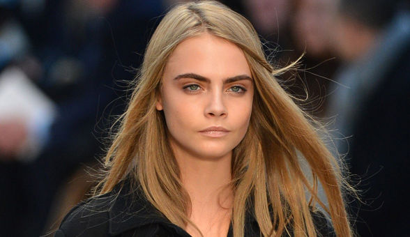 cara-delevingne-eyebrow-products_article_new