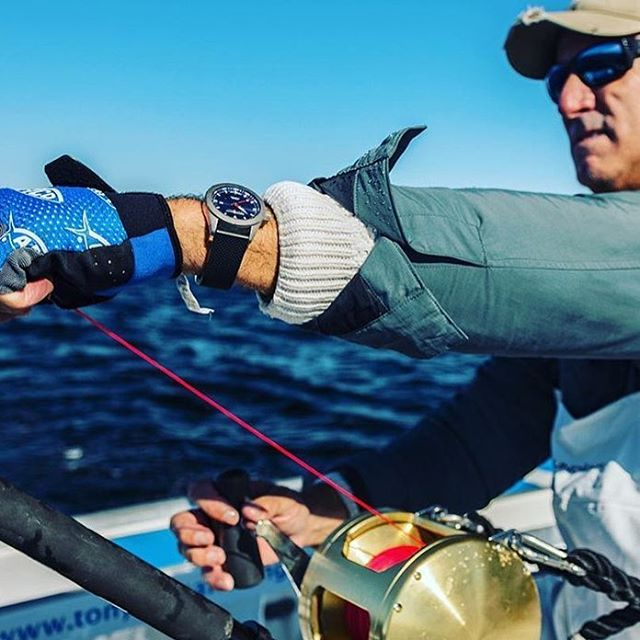 @captscottwalker in an epic battle with a giant #bluefin off Prince Edward Island.  #teamhookandgaff @ozzydelgado  @intothebluetv  #hookandgaff #tuna #offshore #fish #fishing #watchoftheday #watch #watches #watchpics #watchesofinstagram #time